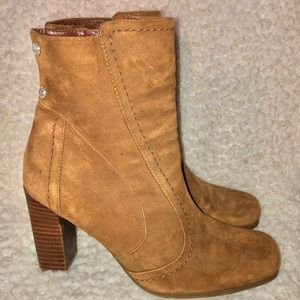 NWOB Franco Sarto leather ankle booties w studs